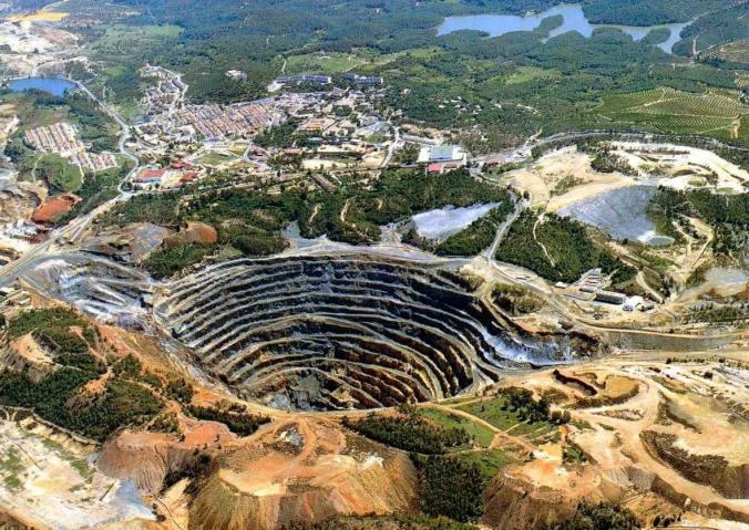 Vue aérienne de la mine de Rio Tinto à Huelva