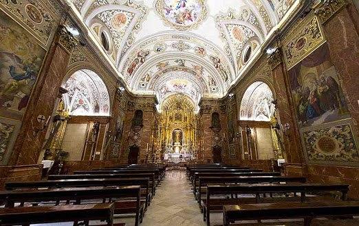 Intérieur de la Basilique de la Macarena, Séville.